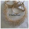Le headband Ombeline, collection mariage Epouse-Moi, dispose d'une structure dorée avec des petits cristaux en épis. Modèle romantique, chic et bohème.