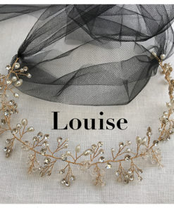 Le headband Louise, collection soirée Courtise-Moi s'adapte facilement. Il se compose d'une structure argentée ou dorée, avec des strass, perles et cristaux.