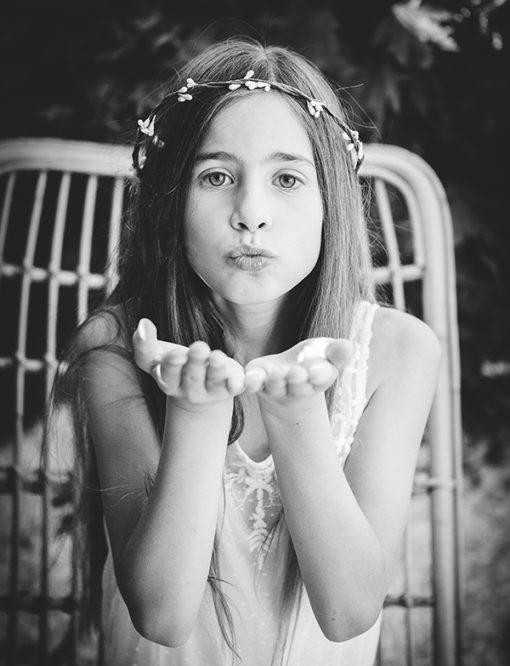 Le headband Rachel de la collection Fille de la Balle est un modèle qui prête à la rêverie.