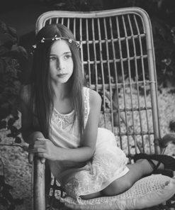 le headband Rachel de la collection enfant Fille de la Balle vient habiller les cheveux des jeunes filles de 7 à 14 ans pour un mariage, une cérémonie, un baptème...