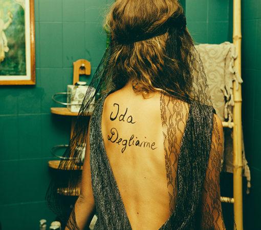 Le headband Ida de la collection Courtise-Moiest un ancrage car l'histoire de Ida Degliame a commencé là !
