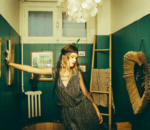 Le headband Ida de la collection Courtise-Moiest unmodèle habillé et sobre qui sublimera votre allure.