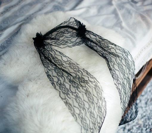 Le headband Ida de la collection Courtise-Moi est un modèle sobre, parfait pour une soirée