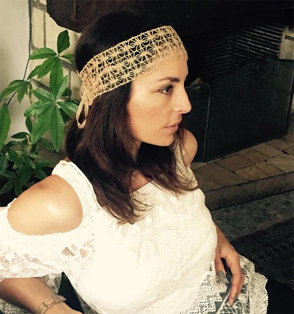 Le headband Védra de la collection Réchauffe-Moi est un modèle essentiel et authentique.