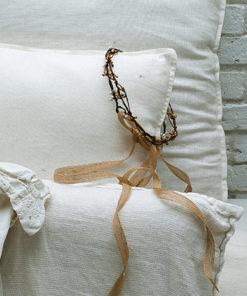 Le modèle ROBINE de la collection mariage Epouse-Moi se compose d'un modèle blanc réglable et d'un modèle bronze qui ne se règle pas