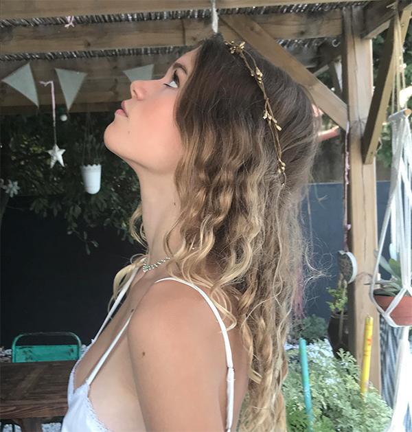 Le headband ROBINE bronze de la collection Epouse-Moi est un modèle estival et discret.