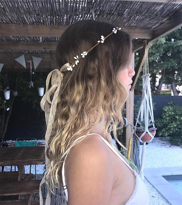 Le headband ROBINE blanc de la collection Epouse-Moi est un modèle bohème
