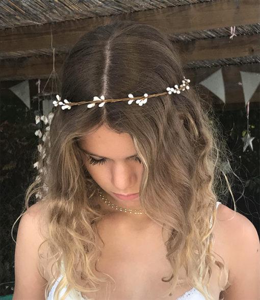 Le headband ROBINE blanc de la collection Epouse-Moi est un modèle nature
