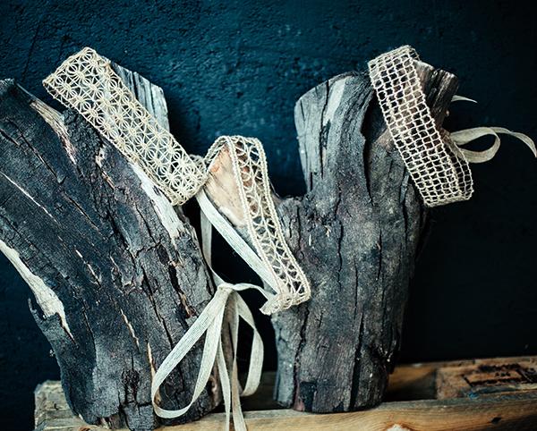 Le headband Védra de la collection Réchauffe-Moi mesure 7cm de largeur, il est crée et cousu à la main dans notre atelier français