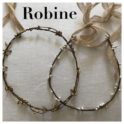 Le headband Robine collection été Réchauffe-Moi est un modèle nature, bohème, estival et discret. Il se compose d'une couronne rigide en épis blanche ou bronze.