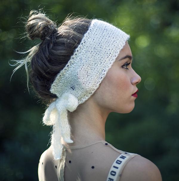 Le headband MON SYLVIE lait de la collection Protège-Moi est un modèle d'hiver, 100% mohair.