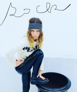 Le headband MON JOHNNY gris anthracite & argent de la collection hiver Protège-Moi IDA DEGLIAME vous donnera une allurepudique, rock, casual et intemporel.