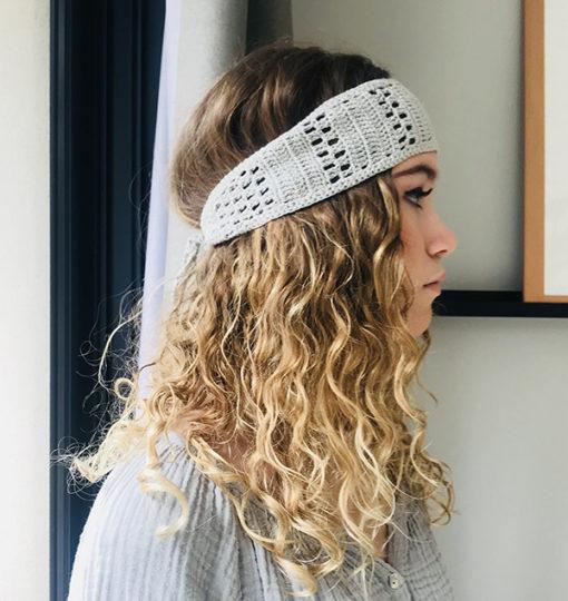 Le headband KATE gris Ida Degliame est un bandeau en crochet 100% coton