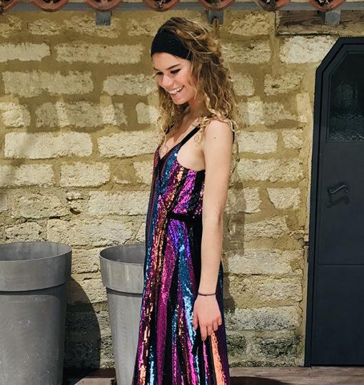 Comme une ode à la Provence, vous porterez avec simplicité et authenticité le headband Kate noir Ida Degliame