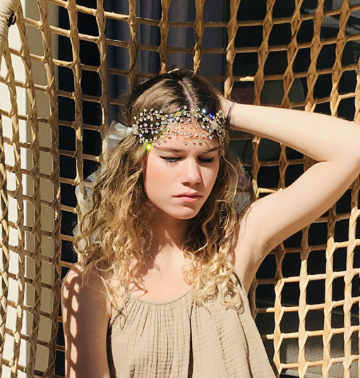Le headband AURORE illuminera votre chevelure