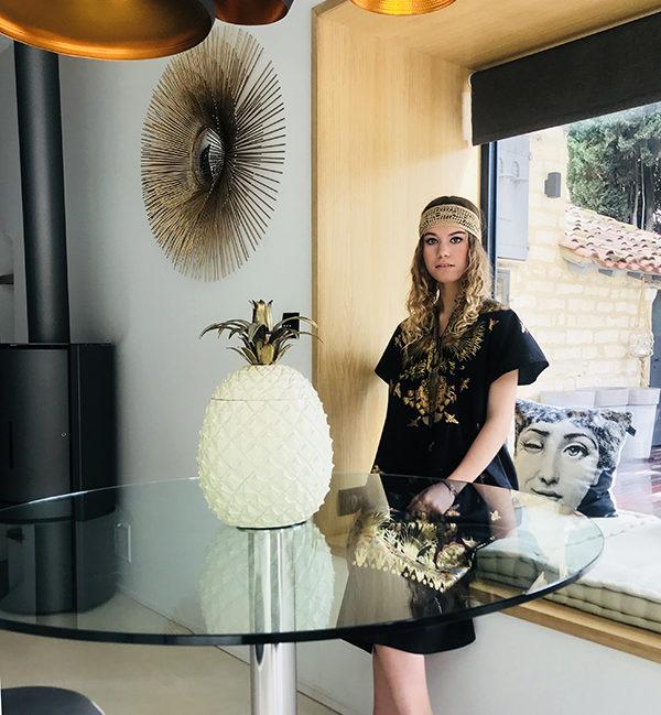 Le headband BOWIE Ida Degliame est un modèle bohème chic en soie et coton.