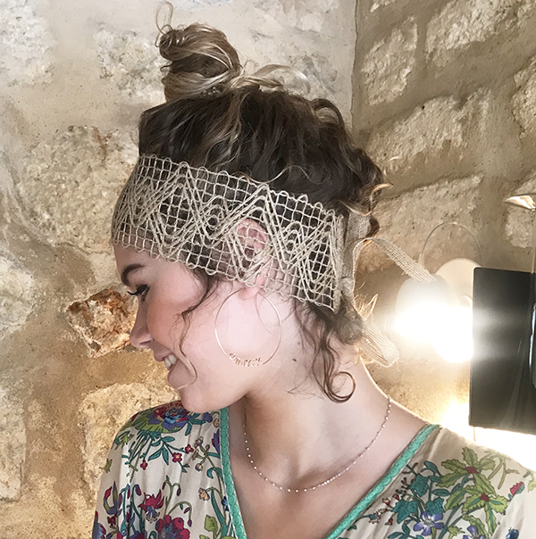 Le headband FORMENTERA Ida Degliame vous accompagnera à la plage, sur un bateau ou lors d'une soirée bohème.