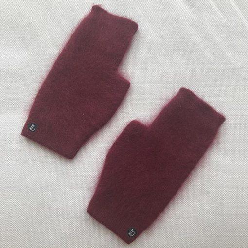 La mini mitaines JANE IDA DEGLIAME couleur Bordeaux viendra ajouter une touche de couleur rock à vos tenues d'hiver