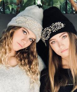 En gris ou noir, soyez rock avec le bonnet Lily Ida Degliame