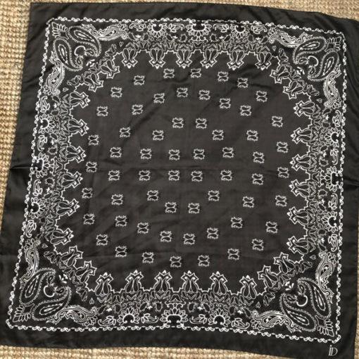Le foulard MON PETIT SATIN IDA DEGLIAME existe en noir
