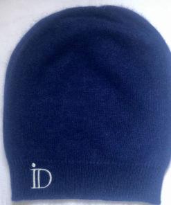 Le bonnet ANITA IDA DEGLIAME couleur bleu marine vous accompagnera tout l'hiver.