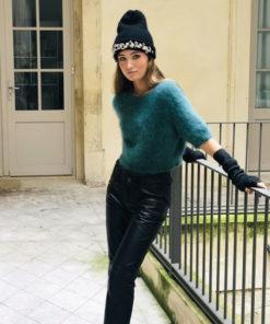 Soit rock, soit de l'amour, le bonnet LILA IDA DEGLIAME sera votre « Crush « de l'hiver.