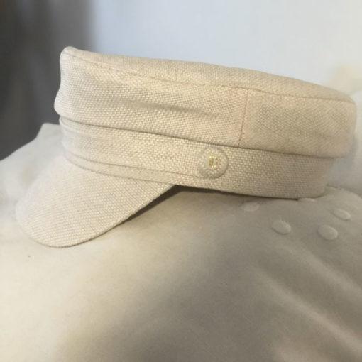 La Casquette du Bassin IDA DEGLIAME lait est un modèle en coton et lin.