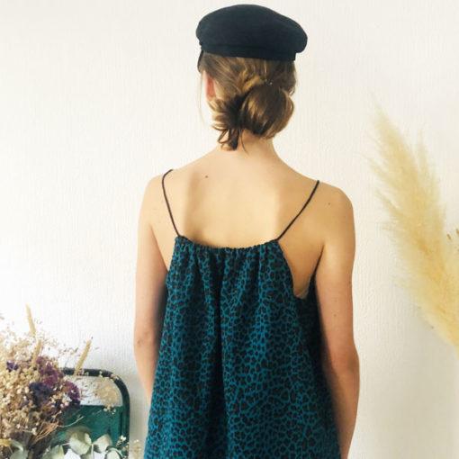 La robe LOU Léopard bleu canard IDA DEGLIAME est en taille unique et est fabriquée en France