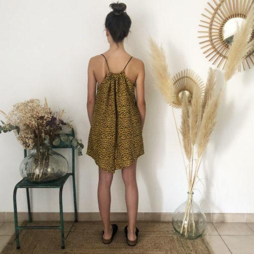 La robe LOU Léopard jaune IDA DEGLIAME est en taille unique et est fabriquée en France