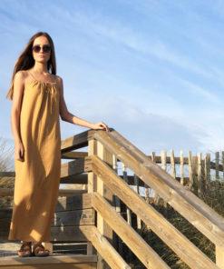 La robe longue ELA caramel IDA DEGLIAME de la collection sauvage est aérienne