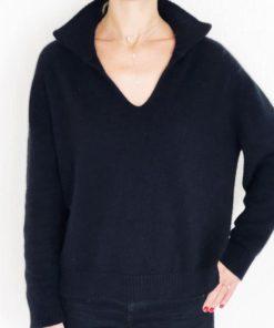 Le pull La Vareuse Amoureuse IDA DEGLIAME est un pull femme, forme marin pour un style masculin féminin. Taille unique. Existe en noir,kaki,gris,marine léger.