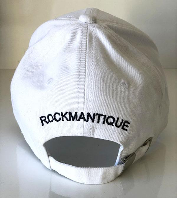 La casquette ID IDA DEGLIAME existe avec le logo ton sur ton ou en duo de couleur blanc, écriture noire