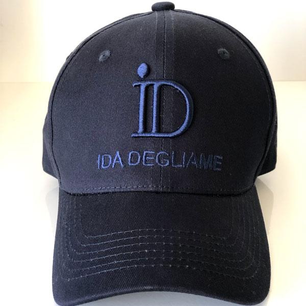 La casquette ID IDA DEGLIAME est 100% coton