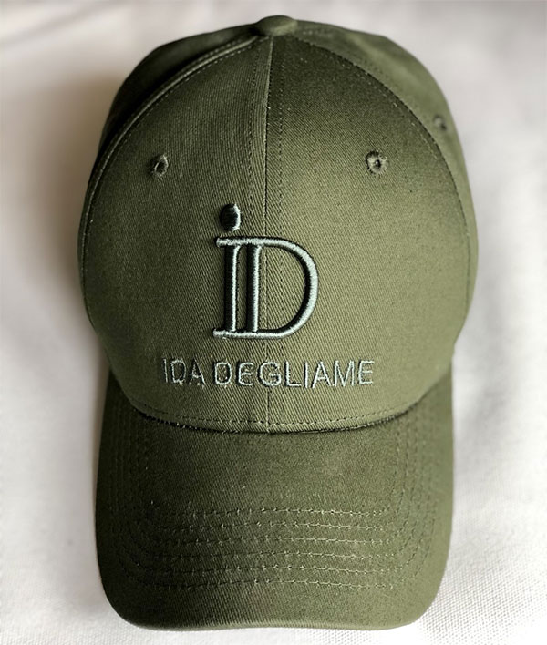 La casquette ID IDA DEGLIAME existe en 6 coloris dont le kaki