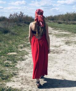 La robe dos nu CALI IDA DEGLIAME est fluide grâce à sa forme aérienne