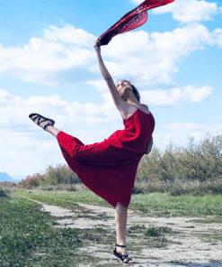 La robe dos nu CALI IDA DEGLIAME est légère grâce sa matière : la gaze de coton.