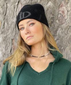 Le pull Mon Hoodie Chéri IDA DEGLIAME existe en vert foncé et peut s'associer au bonnet Abysse noir