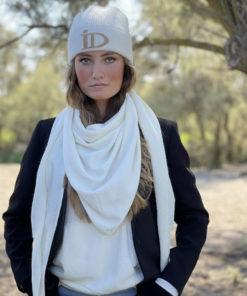 Le bonnet ABYSSE IDA DEGLIAME peut s'accompagner de l'écharpe ROMY