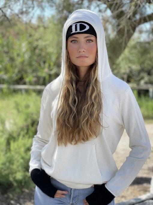 Le bonnet ABYSSE IDA DEGLIAME vous accompagnera tout l'hiver