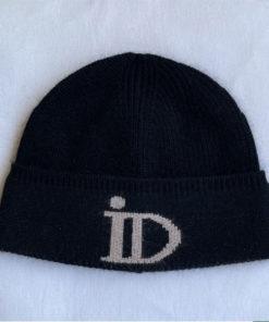 Le bonnet ABYSSE IDA DEGLIAME est en cachemire, très épais et tout doux, avec un revers pour une allure chic et urbaine. Taille unique. Plusieurs coloris.